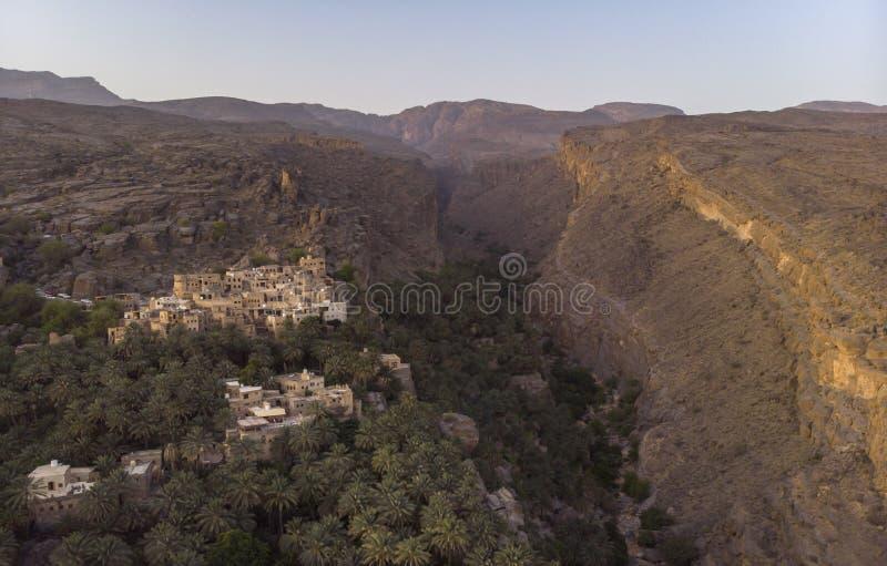 Flyg- sikt av den Misfat alAbriyeen byn arkivbild