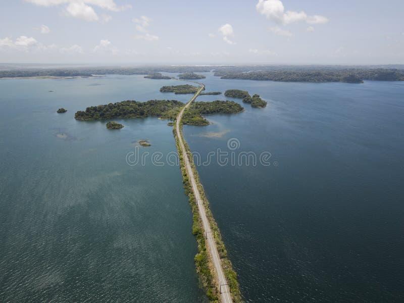 Flyg- sikt av den Panama kanalen royaltyfri bild