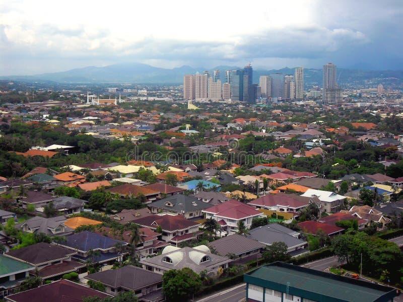 Flyg- sikt av den Pasig, Marikina och Quezon staden i Filippinerna, Asien royaltyfria bilder