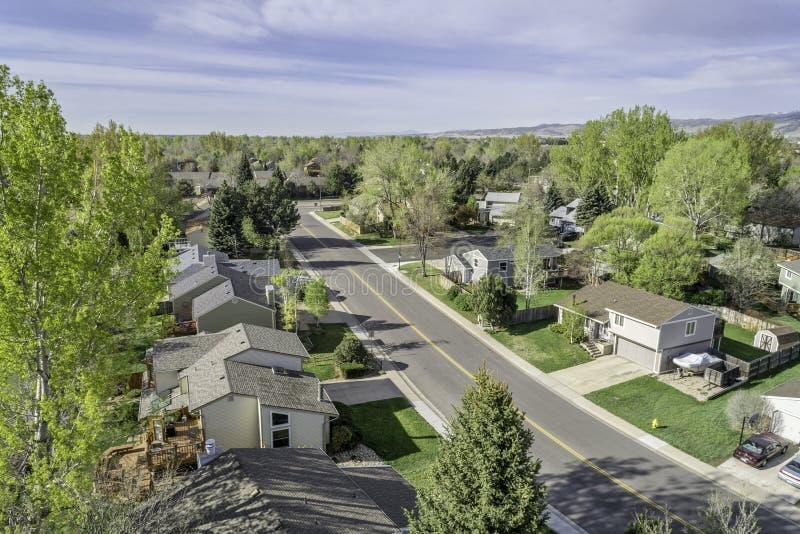 Flyg- sikt av den redintial gatan i Fort Collins, Colorado royaltyfri bild