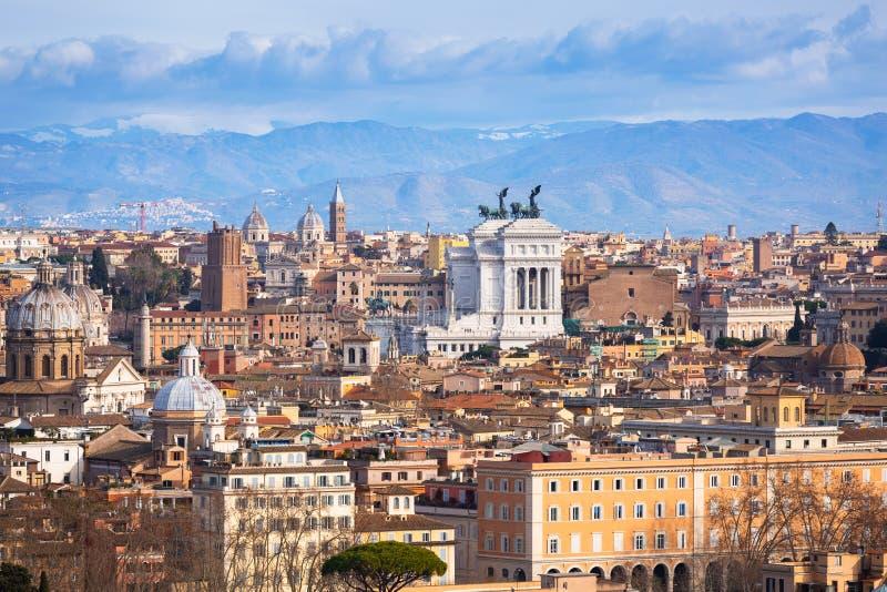 Flyg- sikt av den Rome staden med bueautiful arkitektur, Italien fotografering för bildbyråer