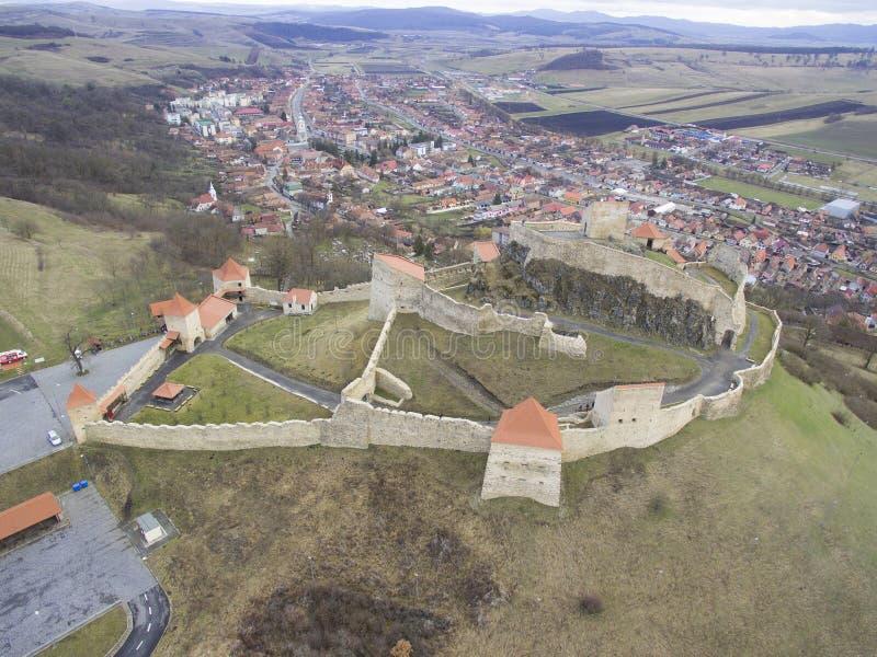 Flyg- sikt av den Rupea fästningen royaltyfria bilder