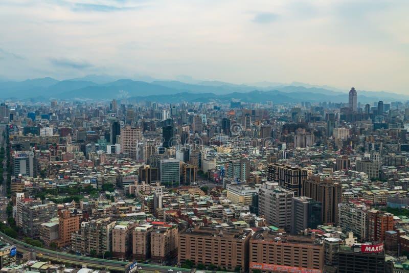 Flyg- sikt av den Taipei staden fotografering för bildbyråer