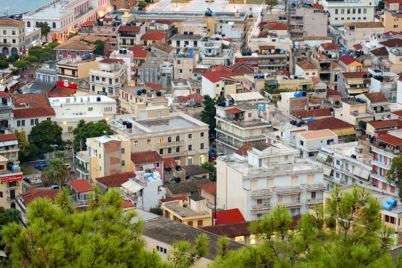 Flyg- sikt av den Zakynthos Zante staden, Grekland Sommarmorgon på det Ionian havet Härlig cityscapepanorama av den Grekland stad royaltyfri bild