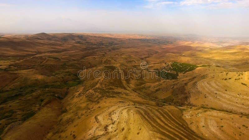 Flyg- sikt av det fascinerande landskapet runt om det Ararat berget, lopp till Armenien arkivbild