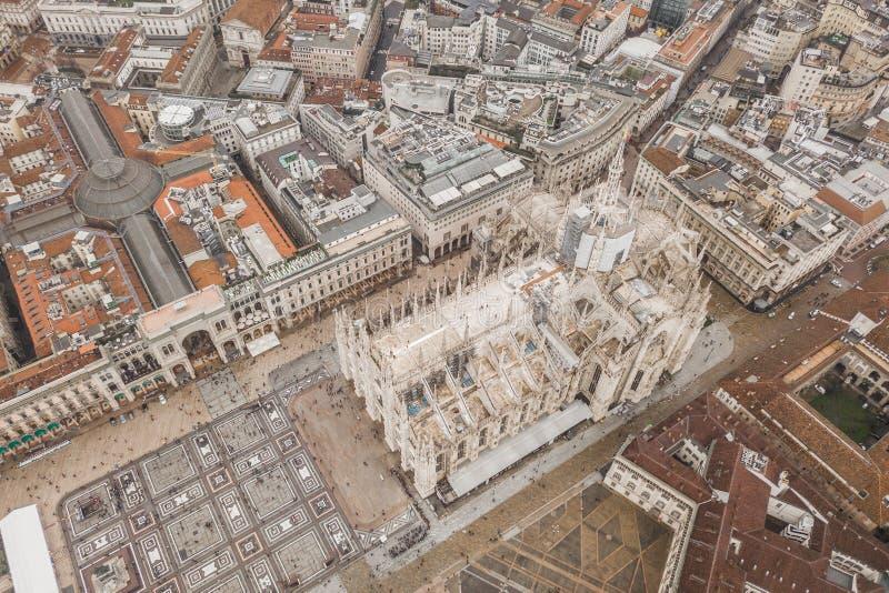 Flyg- sikt av Duomodi Milano fotografering för bildbyråer
