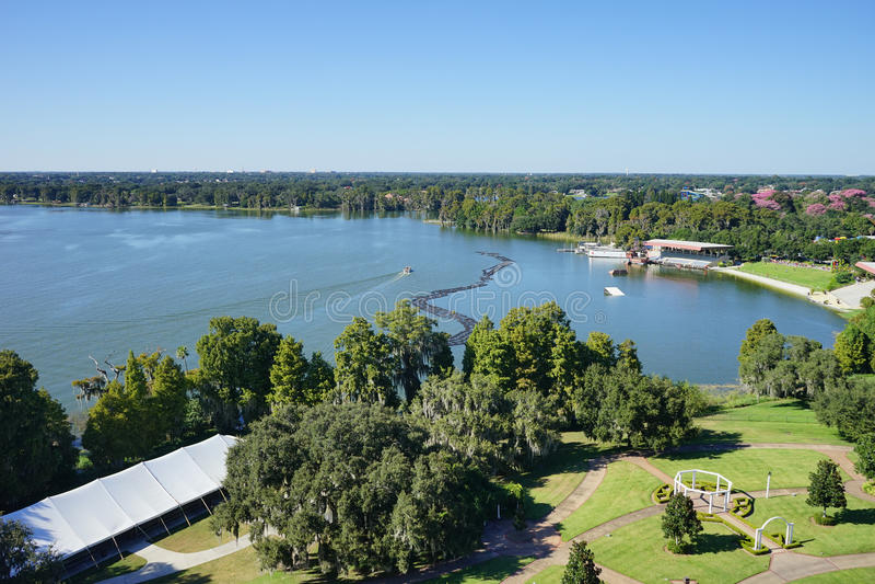 Flyg- sikt av en stor sjö i lakeland, Florida arkivbilder