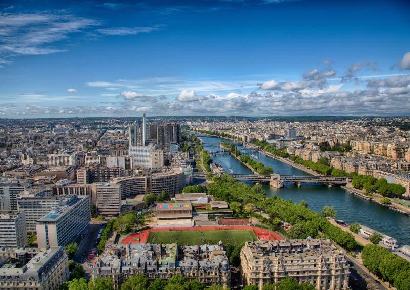 Flyg- sikt av floden Seine på Paris royaltyfri foto