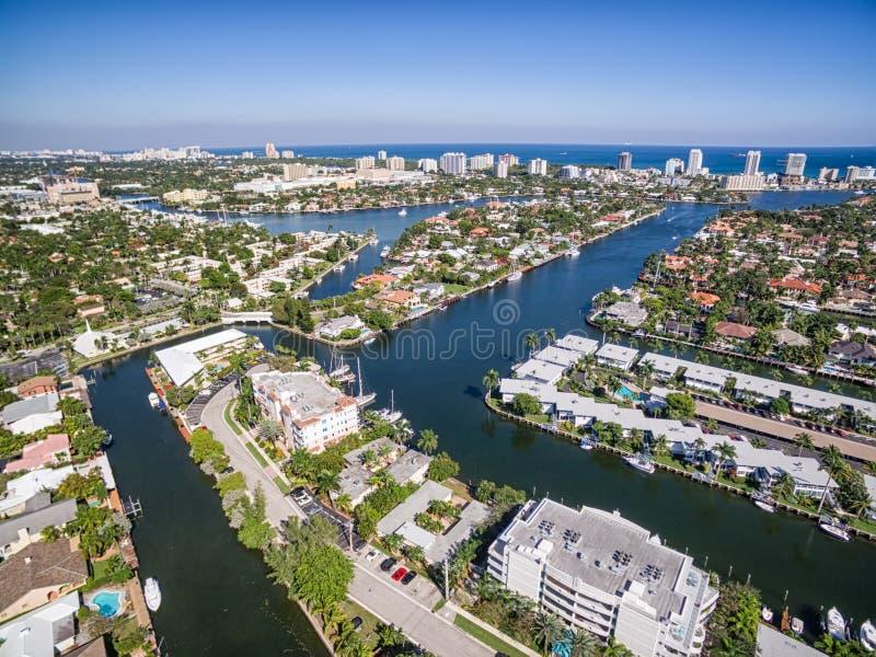 Flyg- sikt av Fort Lauderdalekanaler royaltyfri fotografi