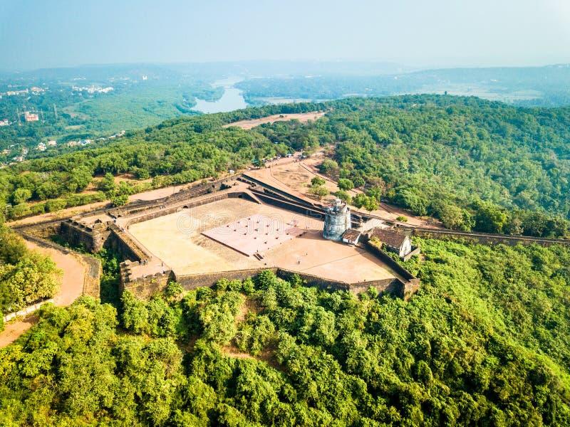 Flyg- sikt av fortet Aguada i Goa Indien fotografering för bildbyråer