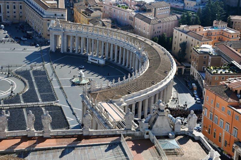 Flyg- sikt av fyrkanten för St Peter ` s i Vatican City royaltyfri foto