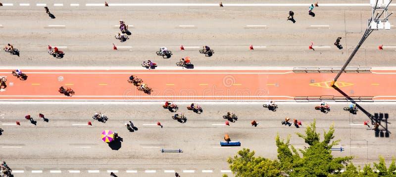 Flyg- sikt av gränden för Paulista avenycykel royaltyfria foton