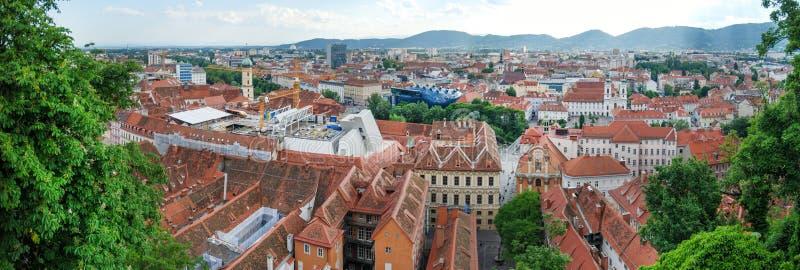 Flyg- sikt av Graz, Österrike arkivfoto