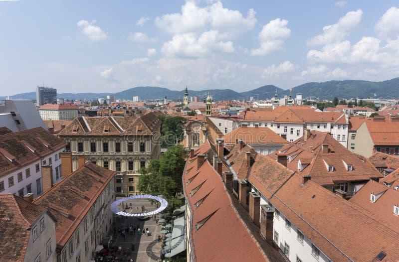 Flyg- sikt av Graz från den Schlossberg kullen, Graz, Styria, Österrike arkivfoto