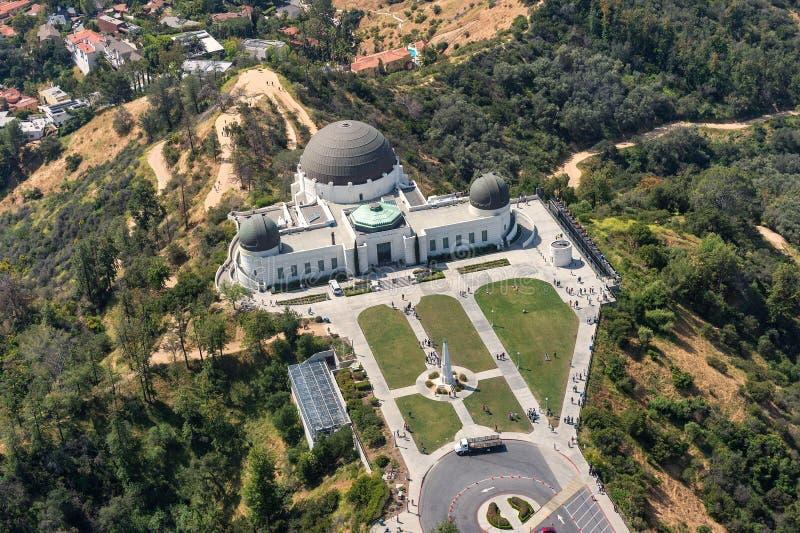 Flyg- sikt av Griffith Observatory i Los Angeles arkivfoto