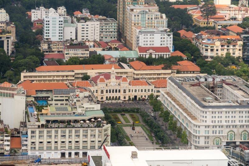 Flyg- sikt av Ho Chi Minh City tidigare Saigon av stadshus arkivbild