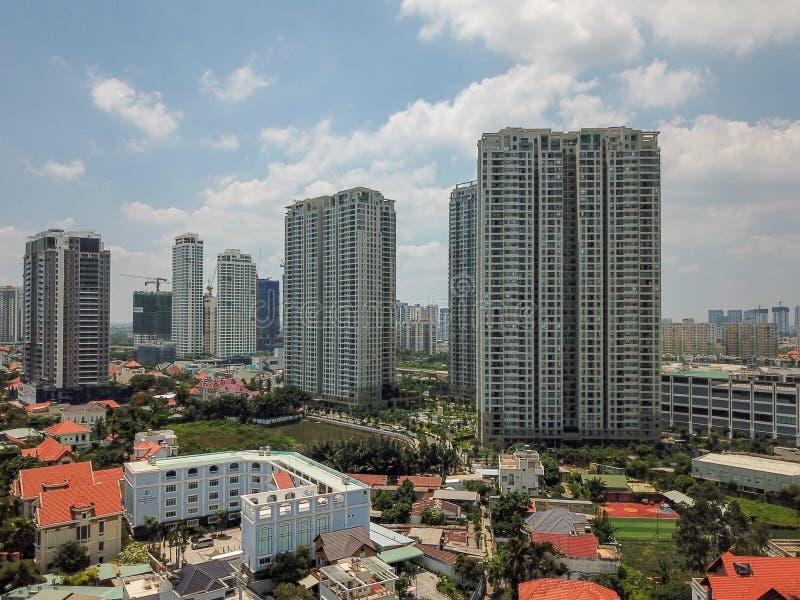 Flyg- sikt av huset och byggnad i område 2 av Ho Chi Minh City arkivbilder