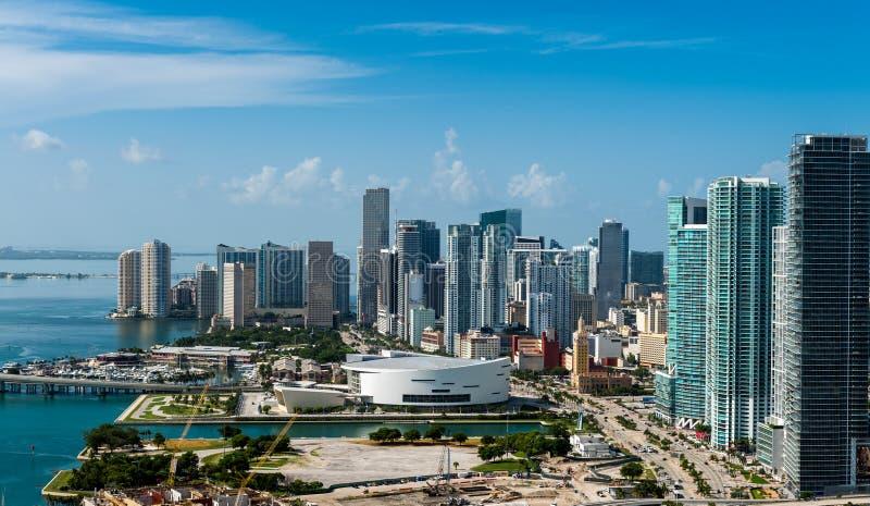Flyg- sikt av i stadens centrum Miami arkivfoto