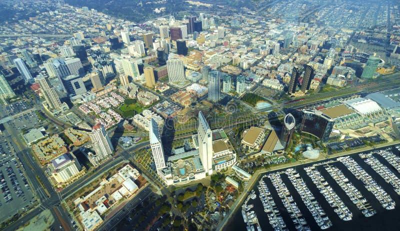 Flyg- sikt av i stadens centrum San Diego royaltyfri fotografi