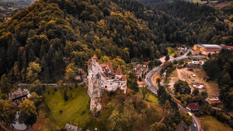 Flyg- sikt av klislotten i Transylvania arkivfoto