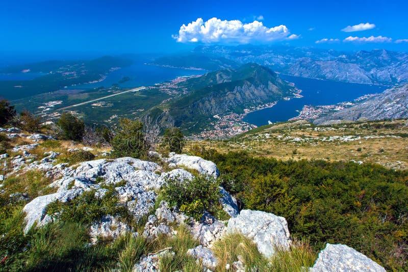 Flyg- sikt av Kotor, Boka Kotorska fjärd, Montenegro royaltyfri foto