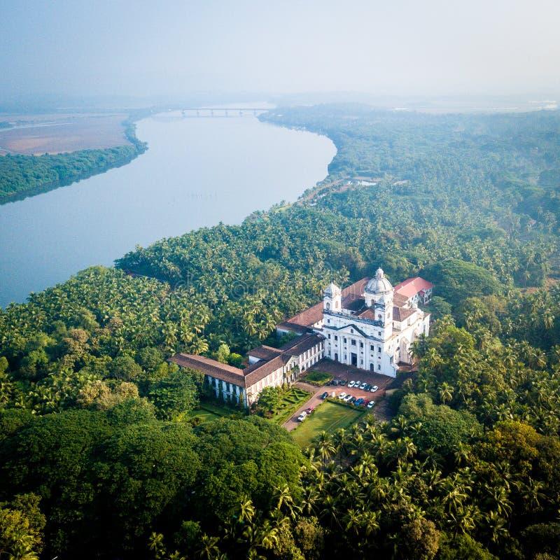 Flyg- sikt av kyrkan av St Cajetan i Velha Goa Indien arkivfoto