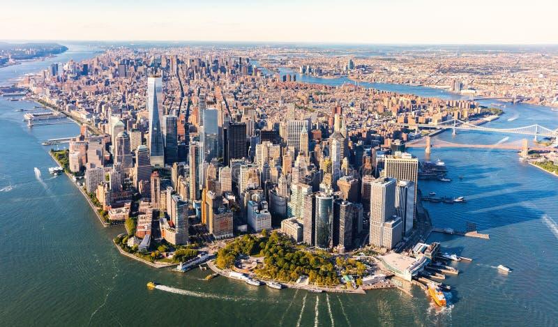 Flyg- sikt av lägre Manhattan NYC fotografering för bildbyråer