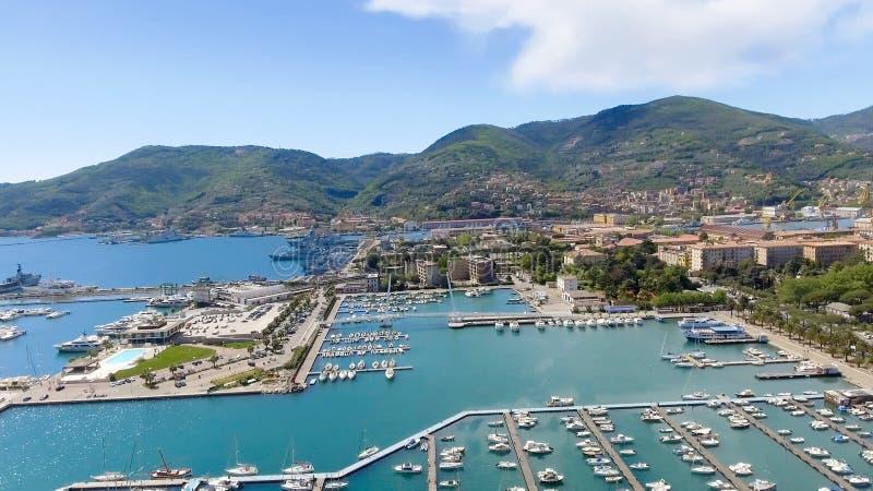 Flyg- sikt av La Spezia, Italien royaltyfri bild
