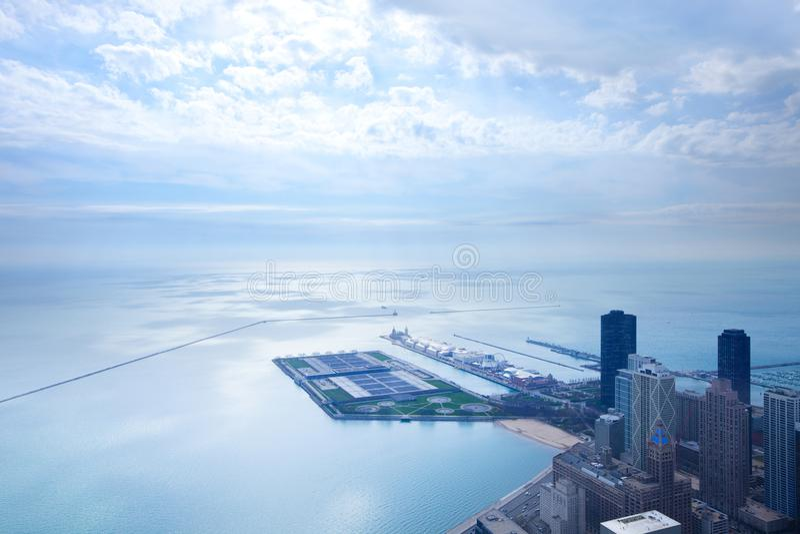 Flyg- sikt av Lake Michigan i Chicago arkivbilder