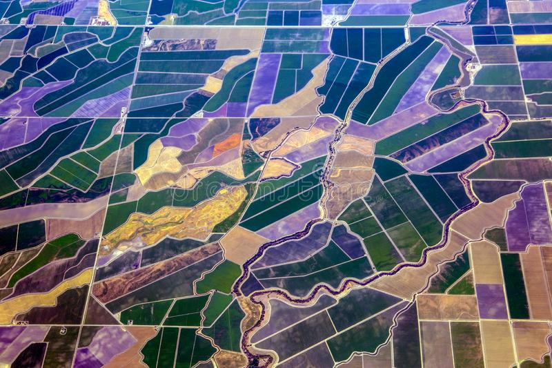 Flyg- sikt av lantbrukländer i Kalifornien arkivfoton
