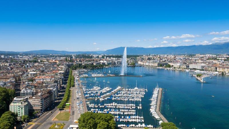 Flyg- sikt av Leman staden för sjöGenève i Schweiz arkivfoto