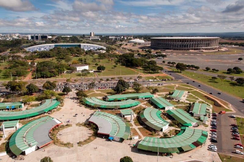 Flyg- sikt av loppmarknaden av Brasilia royaltyfri bild