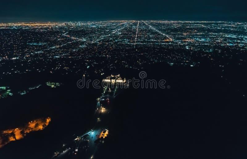 Flyg- sikt av Los Angeles bakifrån Griffith Park royaltyfria bilder