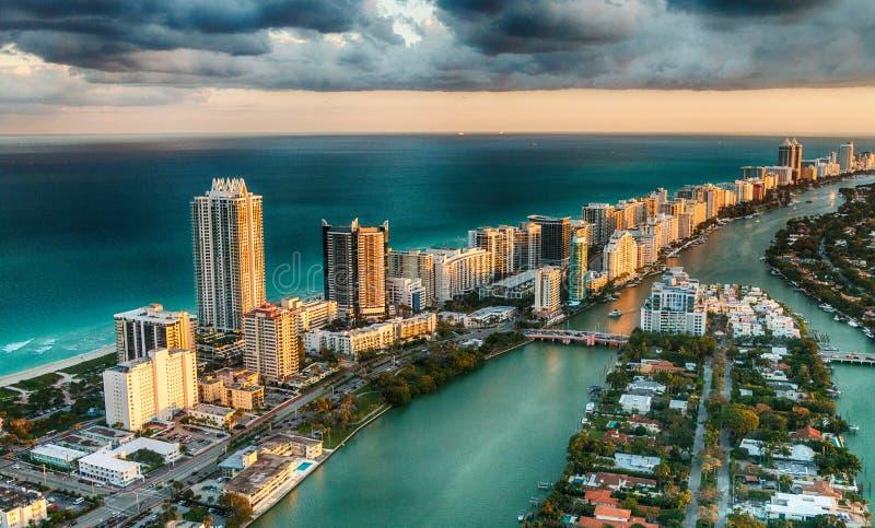 Flyg- sikt av Miami Beach horisont, Florida royaltyfria bilder