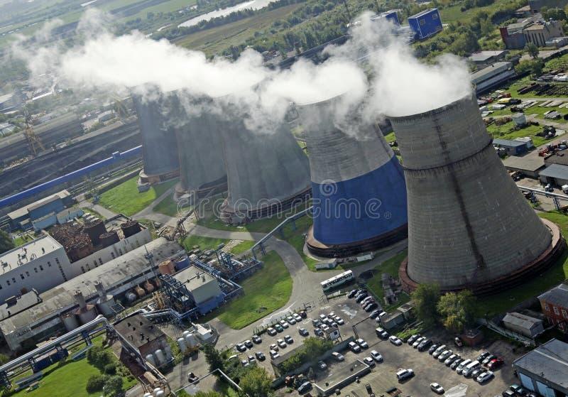Flyg- sikt av Moskvakraftgenereringstationen arkivfoto