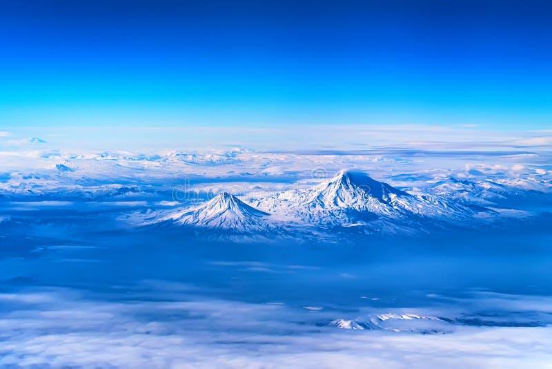 Flyg- sikt av Mount Ararat arkivbild