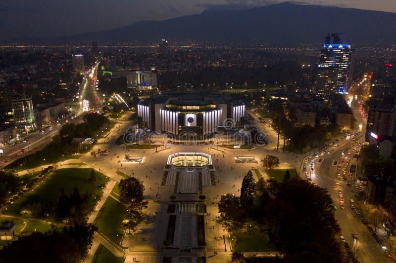 Flyg- sikt av NDK, Sofia, Bulgarien, 21 Oktober, 2018 arkivfoto