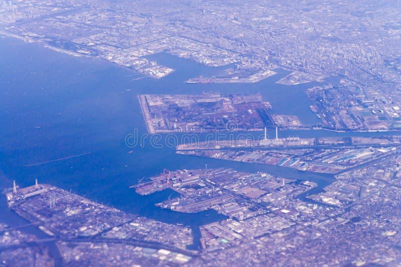 Flyg- sikt av område Tokyo-Kawasaki för industriell zon, Japan från w royaltyfria bilder