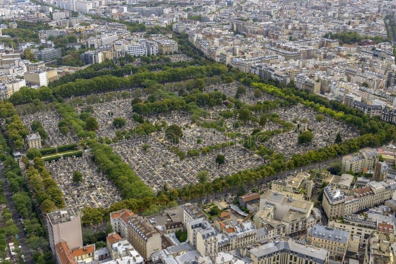 Flyg- sikt av Pere Lachaise Cemetery som tas från Montparnasse till fotografering för bildbyråer