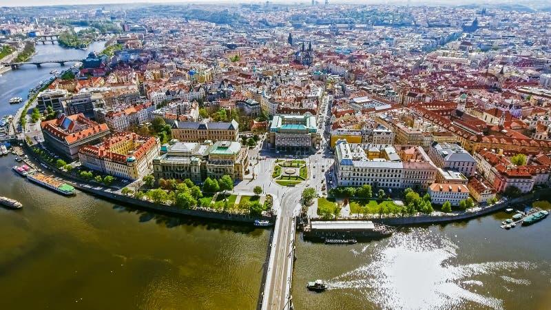 Flyg- sikt av Prague gammal stadCityscape i Tjeckien arkivfoto