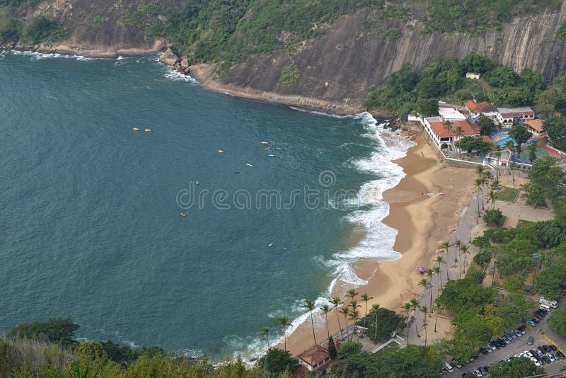 Flyg- sikt av Praia Vermelha arkivbilder