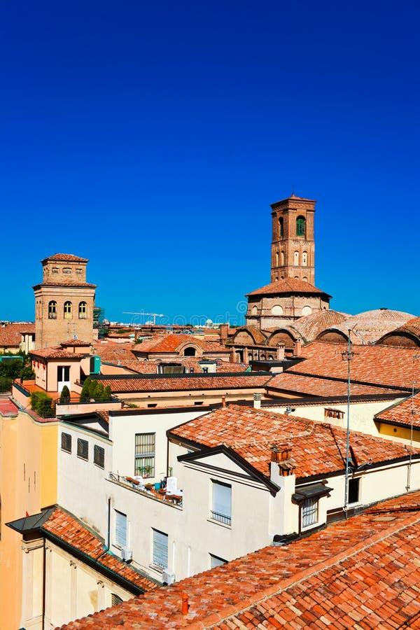 Flyg- sikt av röda tak i bolognaen fotografering för bildbyråer
