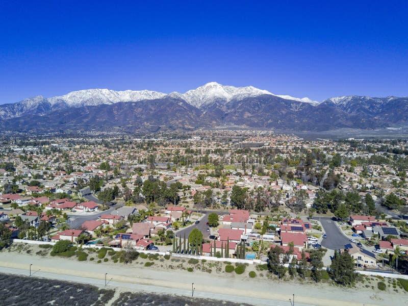 Flyg- sikt av Rancho Cucamonga arkivfoto