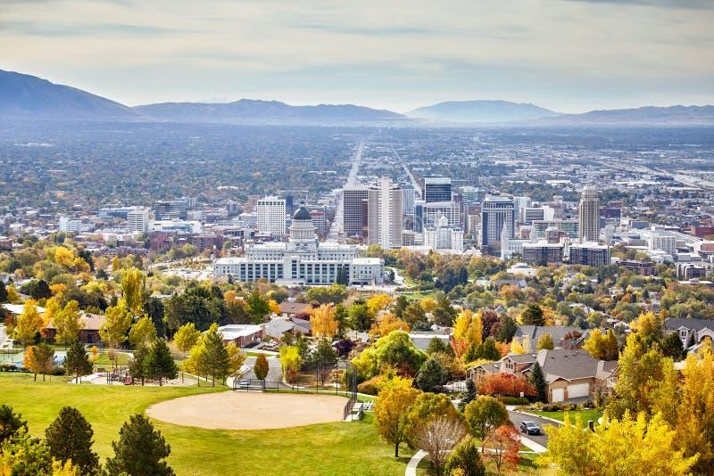 Flyg- sikt av Salt Lake City som är i stadens centrum i höst royaltyfri fotografi