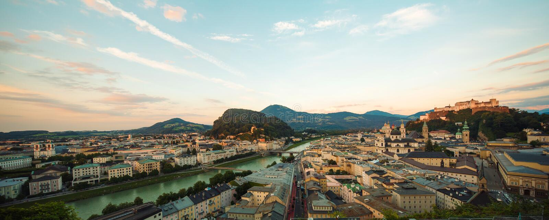 Flyg- sikt av Salzburg, Österrike, Europa royaltyfria foton