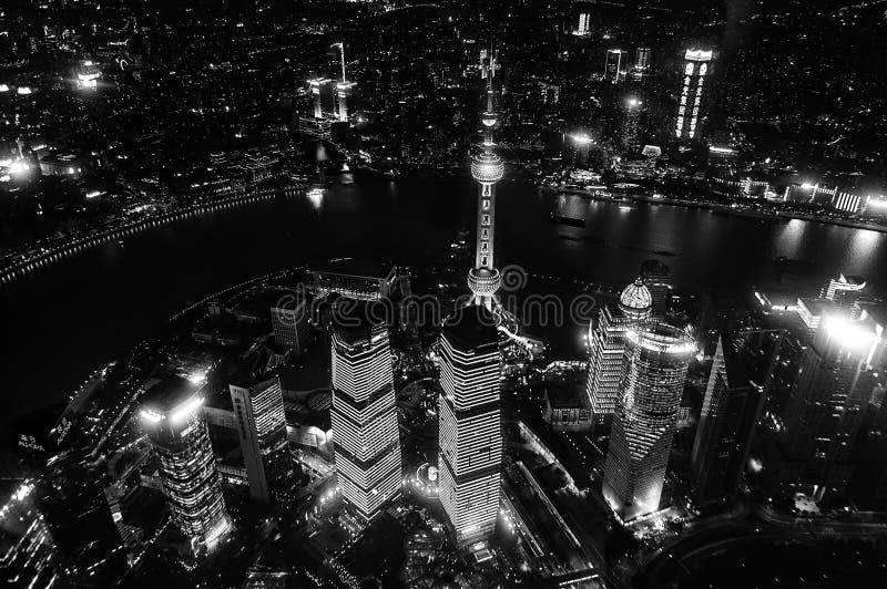 Flyg- sikt av shanghai på natten från det Shanghai tornet Shanghai stadshorisont, panoramautsikt av shanghai stadshorisont och royaltyfri fotografi