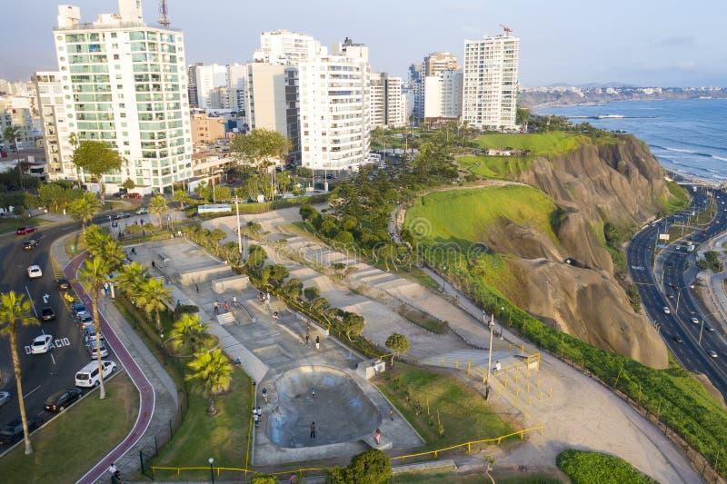 Flyg- sikt av skatepark i Lima royaltyfria bilder