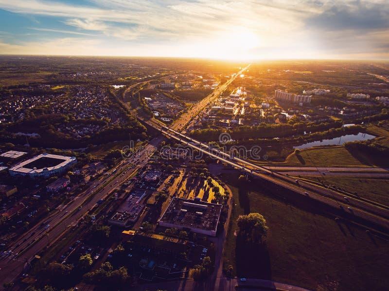 Flyg- sikt av solnedgången över Kissimmee Florida arkivfoto