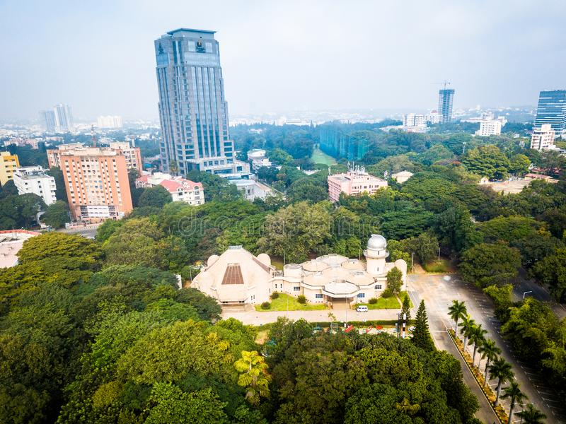 Flyg- sikt av staden Bangalore i Indien royaltyfria foton