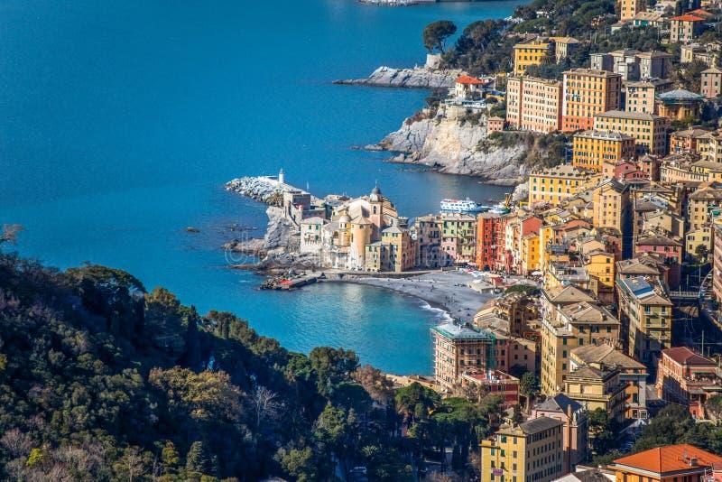 Flyg- sikt av staden av Camogli, Genoa Genova landskap, Ligurian riviera, medelhavs- kust, Italien royaltyfri fotografi
